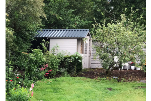 Can I add steel roofing sheets over a felt roof?